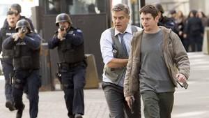 Jack OConnell y George Clooney, en Money monster