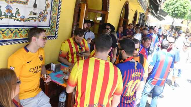 Detinguts 23 aficionats del Barça per incidents a Sevilla