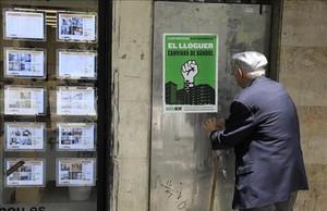 Els barcelonins suspenen la política d'habitatge de Colau
