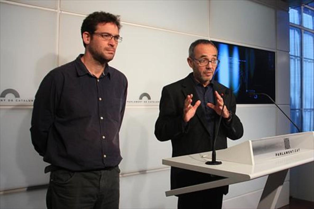 Albano Dante Fachin, con Joan Coscubiela, portavoz de Catalunya Sí que es Pot, en diciembre.
