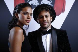 Marquezine, famosa en su país por su participación en diversas novelas, confirmó el fin de su noviazgo con Neymar.