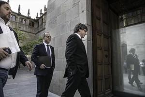 Carles Puigdemont y Jordi Turull, antes de la reunión de Govern del último 10 de octubre.