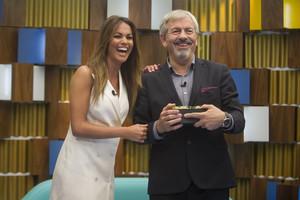 Carlos Sobera y Lara Álvarez.