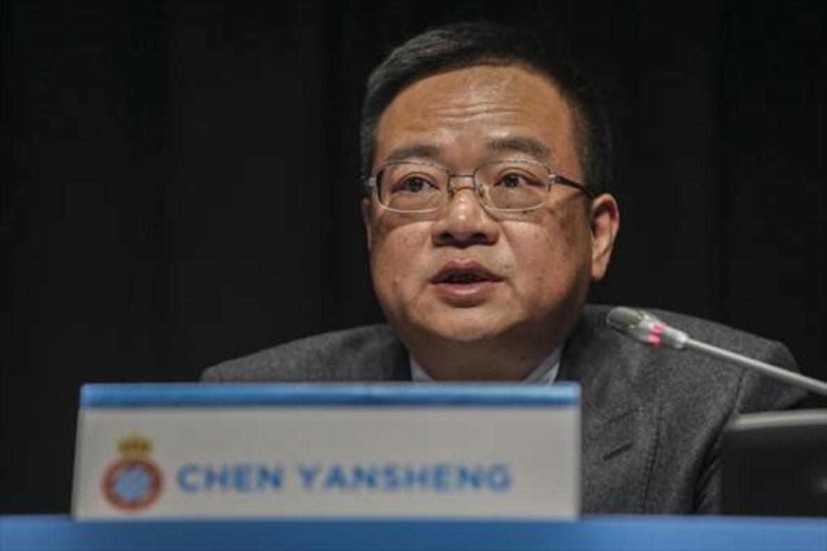 Chen Yansheng, en unajunta de accionistas en Cornellà.