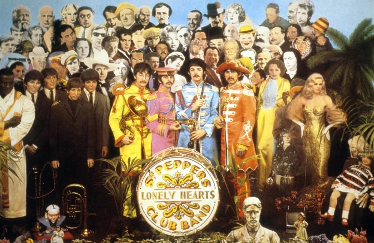 Mítica portada del disco de los Beatles Sgt. Peppers Lonely Hearts Club Band.