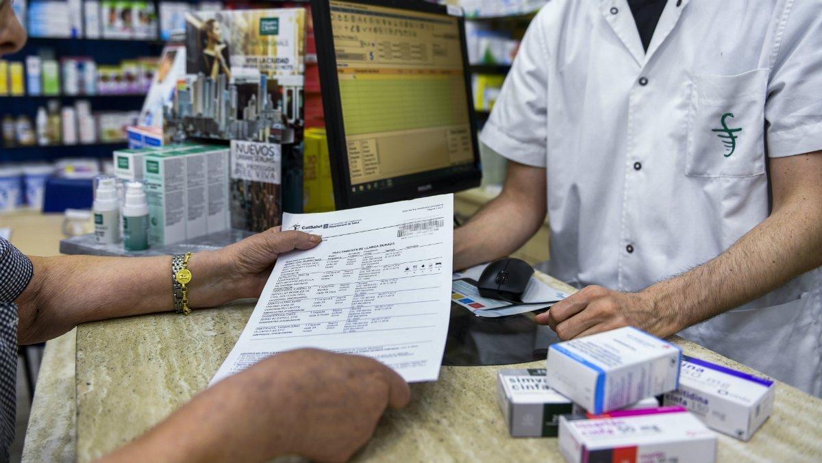 Condemnat un metge que va emetre 268 receptes a nom de la seva sogra