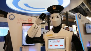 Un policía robot enel salon Smart City Expo World Congress, celebrado el pasado mes de noviembre en laFira de Gran Via de LHospitalet