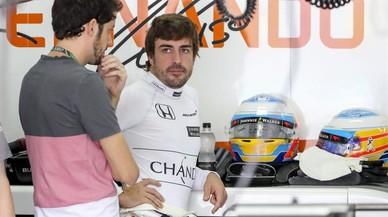 Alonso completa el mejor viernes de la era McLaren