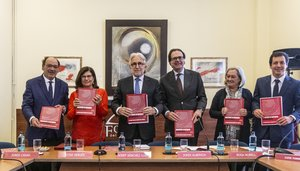 El presidente de Foment del Treball, Josep Sánchez Llibre, presenta el primer informe del think tank de la patronal.