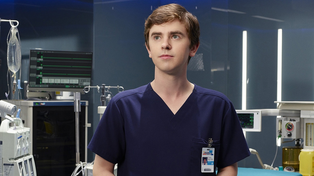 Freddie Highmore protagoniza The good doctor.