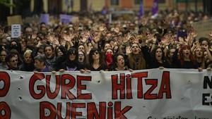 Manifestación contra la violencia sexual en Pamplona, el sábado 28 de abril.