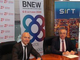 David Garriga, CEO y fundador de SIRT, junto aPere Navarro, delegado especial del Estado en el Consorci de la Zona Franca de Barcelona (CZFB) y presidente de BNEW.