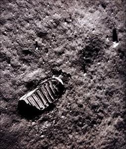 Huella de los astronautas americanos en la Luna, en 1969.