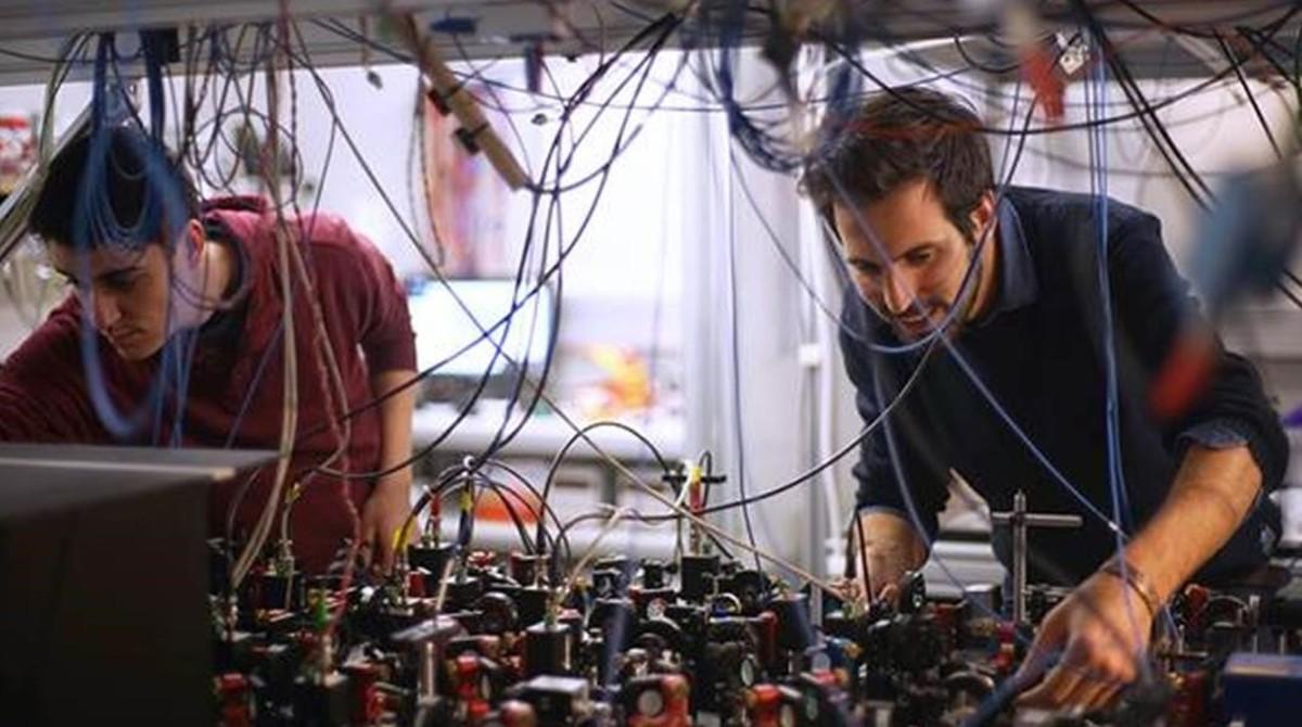 Ferran Martin Ciurana y Giorgio Colangelo, del Institut de CIències Fotòniques.