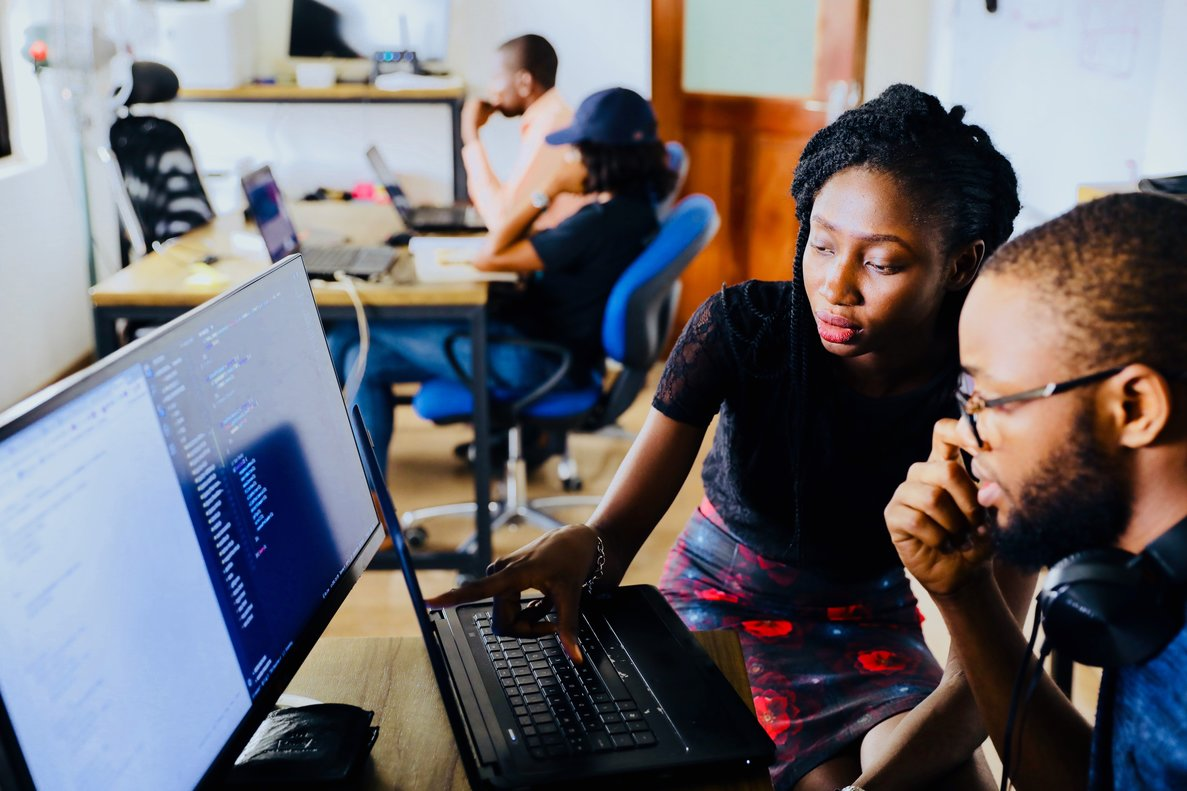 """""""Si los equipos que crean los algoritmos no son diversos, mantenemos una sociedad con sesgos"""""""