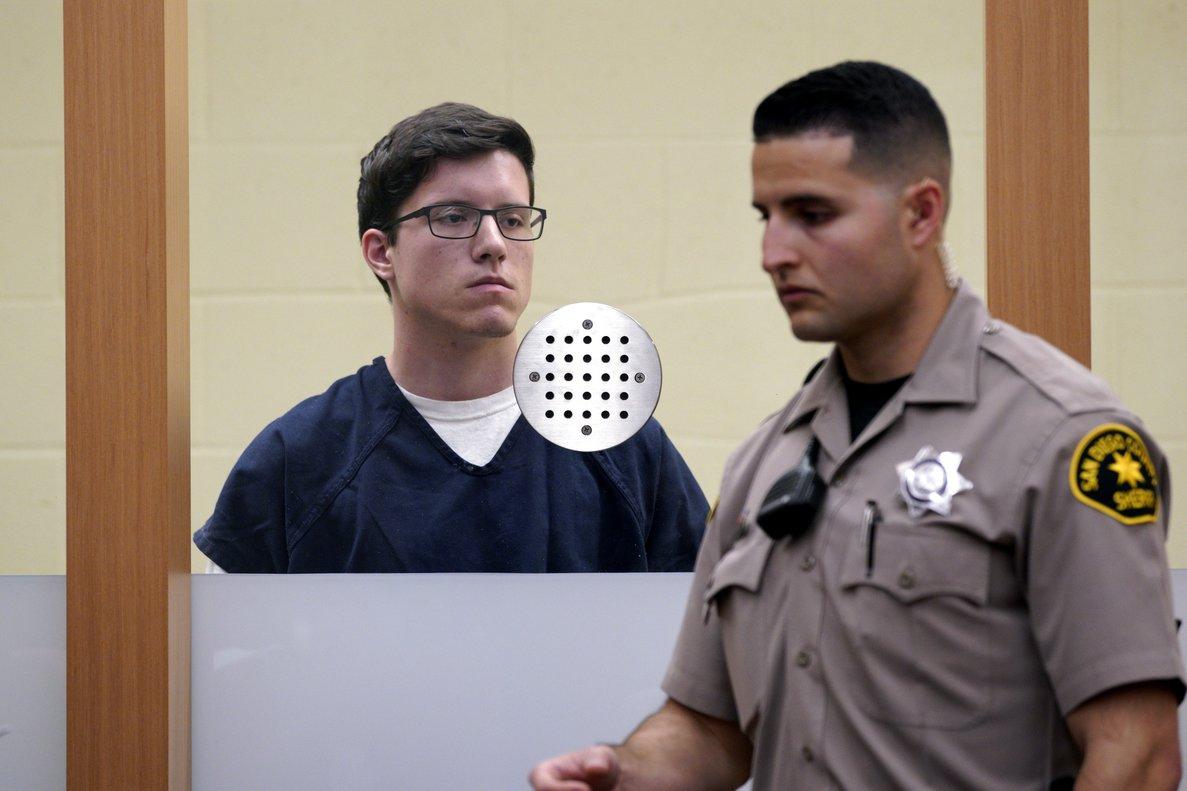El acusado, que no tenía antecedentes criminales, podría ser condenado a pena de muerte o cadena perpetua si fuera hallado culpable.