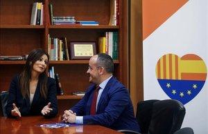 La líder de Cs, Lorena Roldán, junto al dirigente del PPC, Alejandro Fernández, durante una reunión para abordar la moción de censura contra el 'president' Quim Torra.