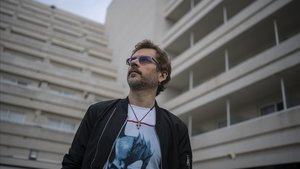 Juanma Bajo Ulloa, fotografiado en el Festival de Sitges tras presentar su película 'Baby'