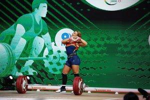 Lydia Valentín, medalla d'or en el Mundial d'halterofília