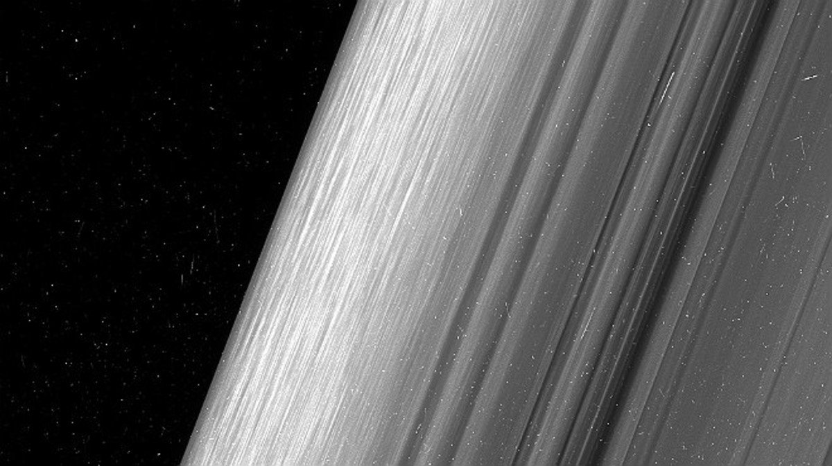 Región del anillo B de Saturno observada muy de cerca desde la sonda 'Cassini' de la NASA.