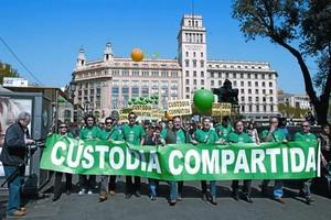Manifestación en favor de la custodia compartida en Barcelona, en abril del 2008.