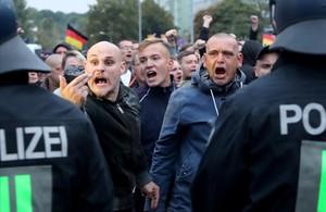 Manifestantes del partido de extrema derecha Alternativa para Alemania (AfD) en Chemnitz.
