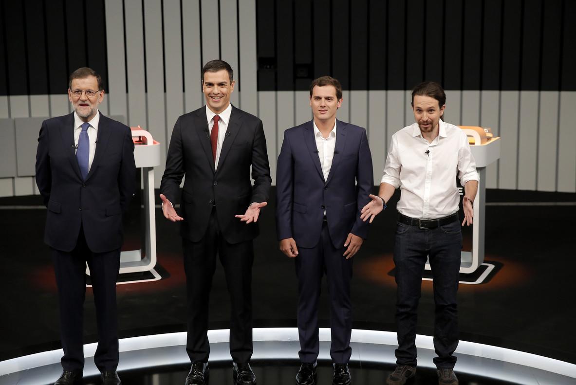 Mariano Rajoy, Pedro Sánchez, Albert Rivera iPablo Iglesias, uns minuts abans de començar El debate a 4 que va emetre Antena 3.