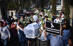 Entierro de la pequeña Fátima, una menor asesinada en México.