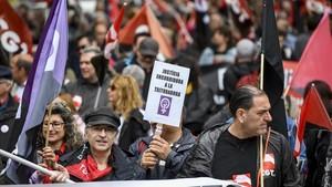 Miembros de la CGTdurante la manifestación del 1 de Mayo.