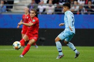 Morgan marca uno de sus cinco goles a Tailandia en el Mundial femenino.