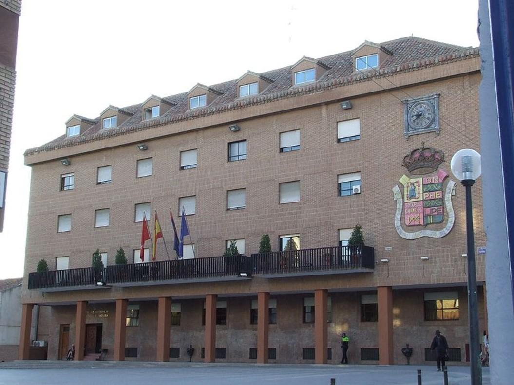 Exterior del Ayuntamiento de Móstoles.