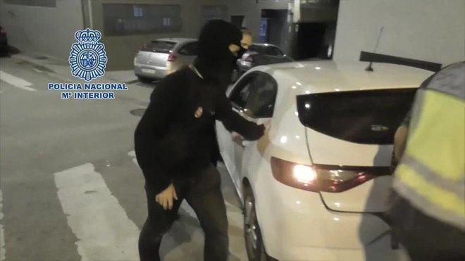 La Policía Nacional ha detenido, en Barcelona, a un peligroso terrorista por su presunta integración en la organización terrorista Daésh.