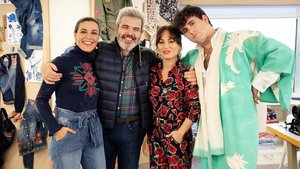 Raquel Sánchez Silva, Lorenzo Caprile, María Escoté y Palomo Spain, en el taller de Desigual, este domingo, en 'Maestros de la costura'.