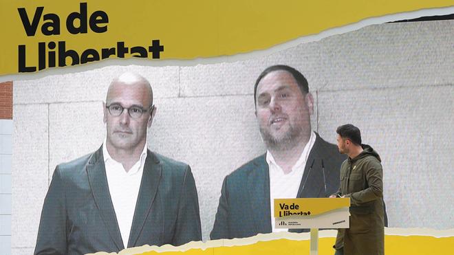 Oriol Junqueras y Raul Romeva en una videoconferencia, en un acto en Cambrils.
