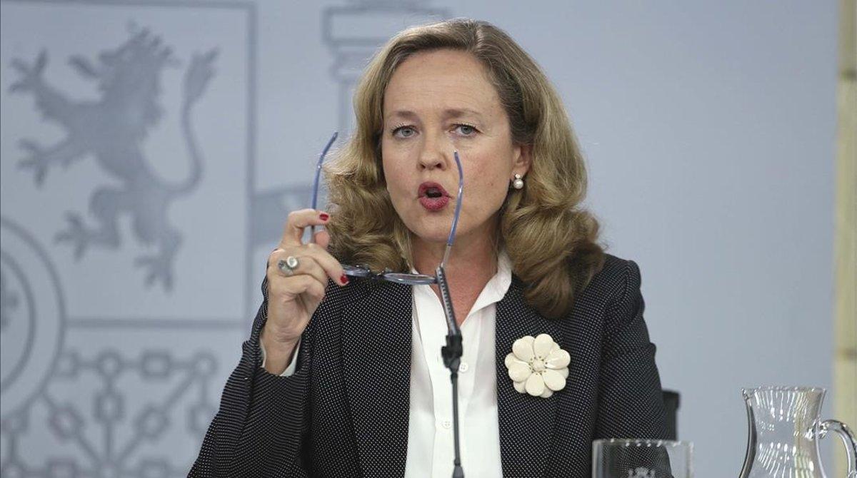 La ministra de Economía en funciones, Nadia Calviño, en la rueda de prensa posterior a la reunión delConsejo de Ministros.