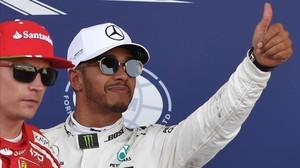 Hamilton no da opciones en Bakú