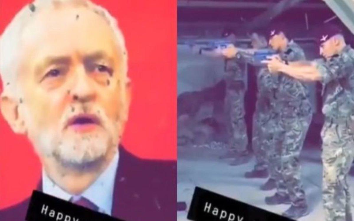 Soldados británicos en un entrenamiento de tiro disparando a imagen de Jeremy Corbyn.