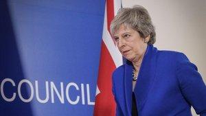 La primera ministra británica, Theresa May, a su llegada a una rueda de prensa tras la cumbre de los Veintisiete celebrada en Bruselas estedomingo.