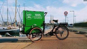 Triciclo de reparto de la cooperativa de Badalona Ambici, beneficiaria de una línea de ayudas del AMB.