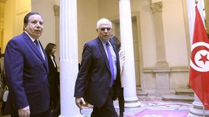 El ministro de Exteriores, Josep Borrell, junto a su homólogo tunecino,Khemaies Jhinaoui, este martes en Madrid.