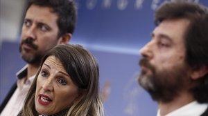 Los diputados de Unidas Podemos, Antón Gómez Reino, Yolanda Díaz y Rafael Mayoral