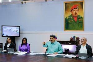 El presidente de Venezuela, Nicolás Maduro, en una reunión con su gabiente de salud. AFP