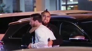 Vidal y Messi, en una cena reciente.
