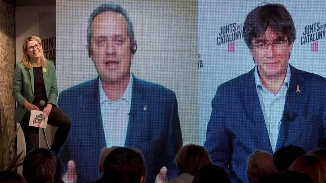 Imágenes de la videoconferencia que han mantenido cabeza de lista de JxCat a las europeas, el expresidente de la Generalitat Carles Puigdemont, y el cabeza de lista por Barcelona, Joaquim Forn, después de 560 días sin contacto directo.
