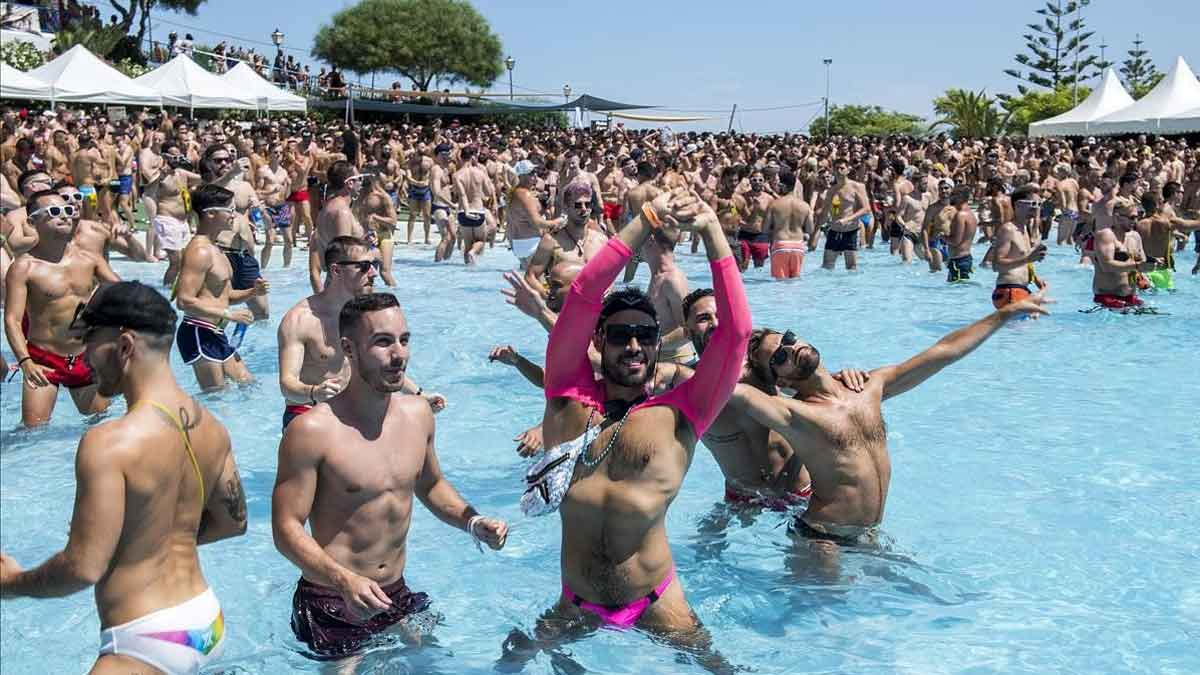 illa fantasia fiesta gay