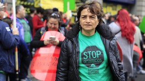 Yolanda del Águila durante una movilización contra la pobreza energética y de la vivienda.