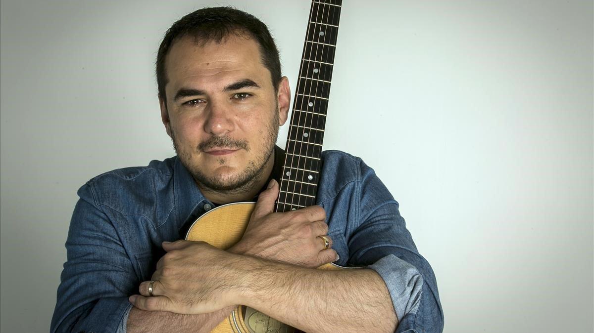 Ismael Serrano dará un concierto esta tarde desde su casa.