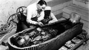 La troballa de la tomba de Tutankamon: fe, robatori i 'fake news'