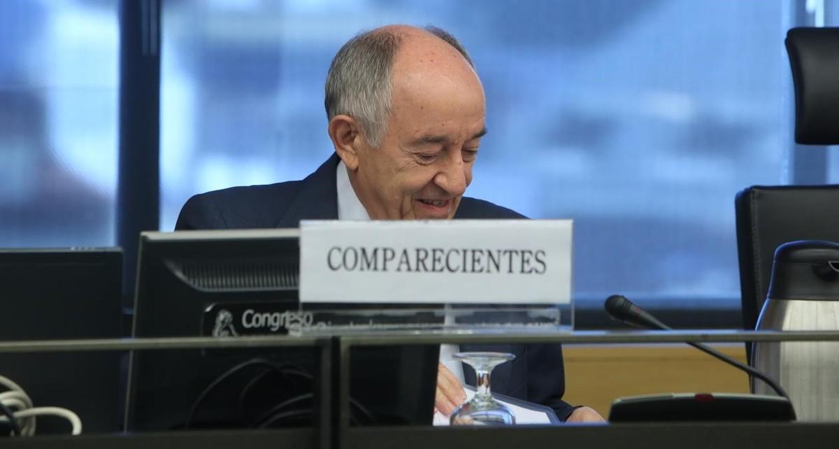 El exgobernador del Banco de España Miguel Ángel Fernández Ordóñez, en la comisión de investigación de la crisis bancaria del Congreso.