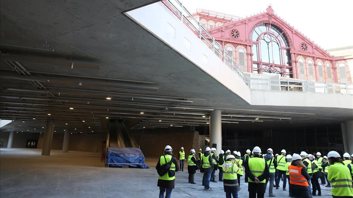 Acceso abierto a la planta -1, donde coinciden los restos arqueológicos y el vestíbulo que dará al nuevo supermercado.